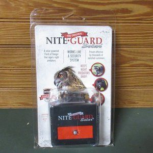 Nite Guard Solar Predator Repeller Light New